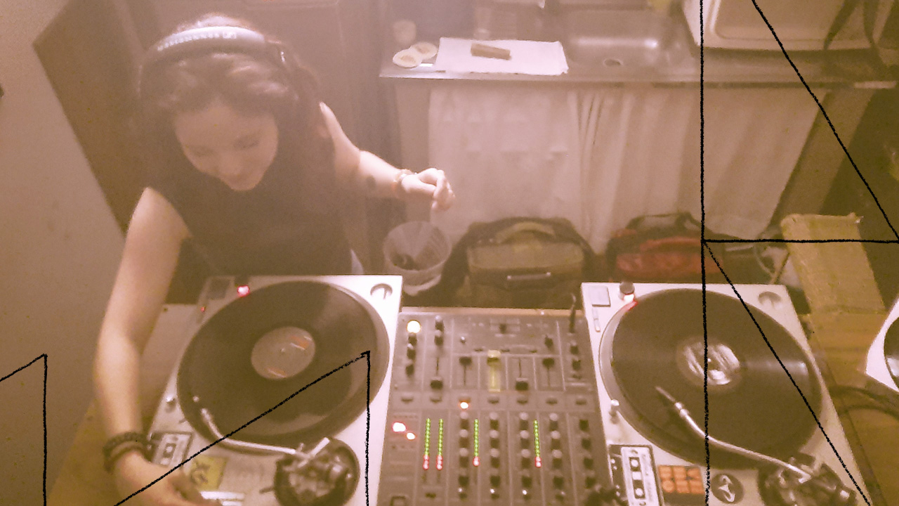 <b>DJ Grazi Flores apresenta: Lacuna Tropical #108</b>