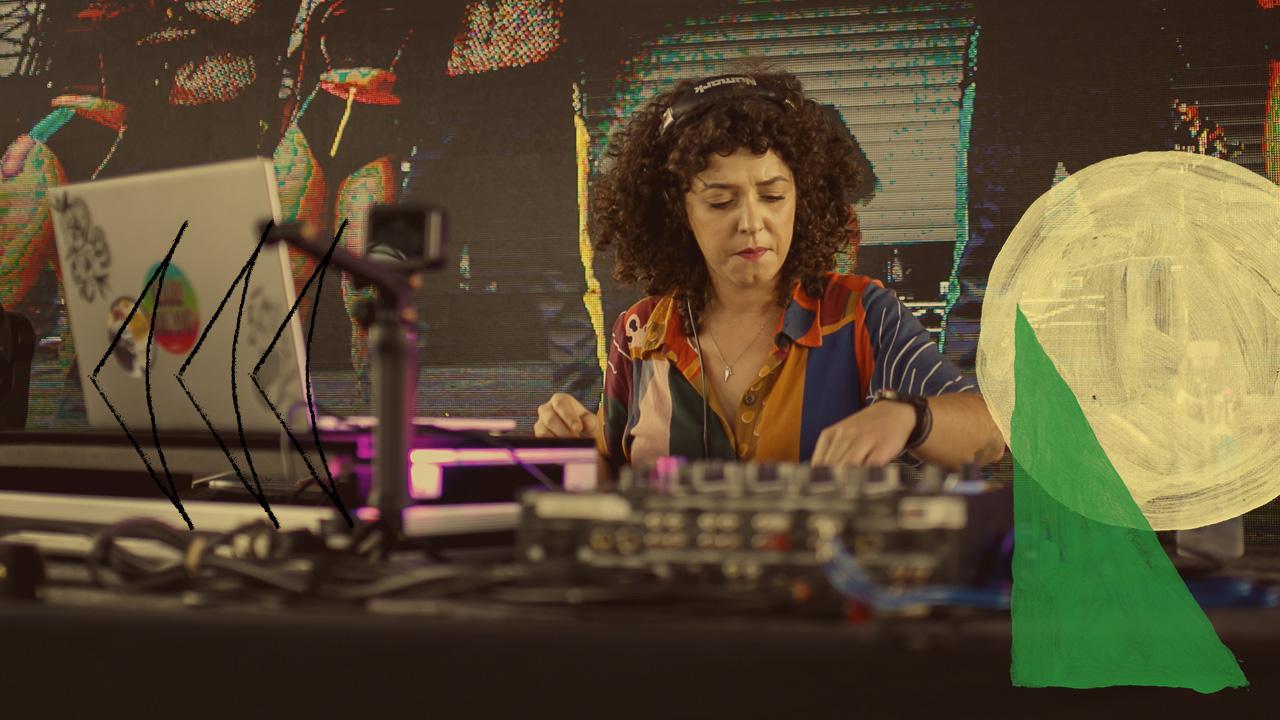 <b>DJ Grazi Flores apresenta: Lacuna Tropical #125 Convida Iasmin Ribeiro (UH! MANAS)</b>